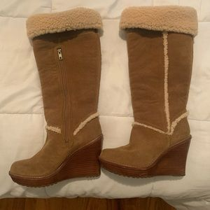 UGG chestnut side long boots run size 9 / tag 10